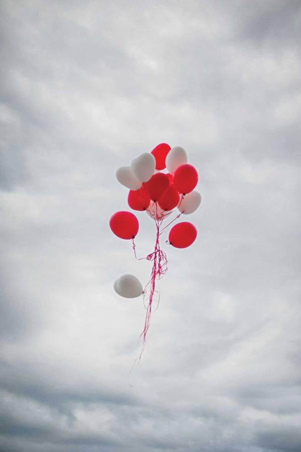ספק עלייה אל עולם אחר ספק מעין התאבדות צילום: שאטרסטוק