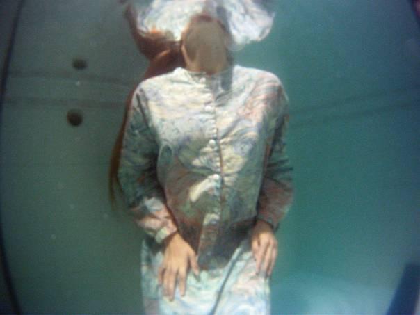 תחושת המחנק גוברת. וידאו־ארט מתוך התערוכה  צילום: נורית יעקבס ינון - סרטי אלומה