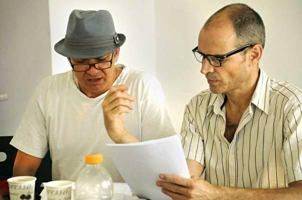לצאת מעצמי לעבר הבלתי ידוע. הבמאי גיא בירן והשחקן דני שטג בחזרות צילום: הילה ספקטור