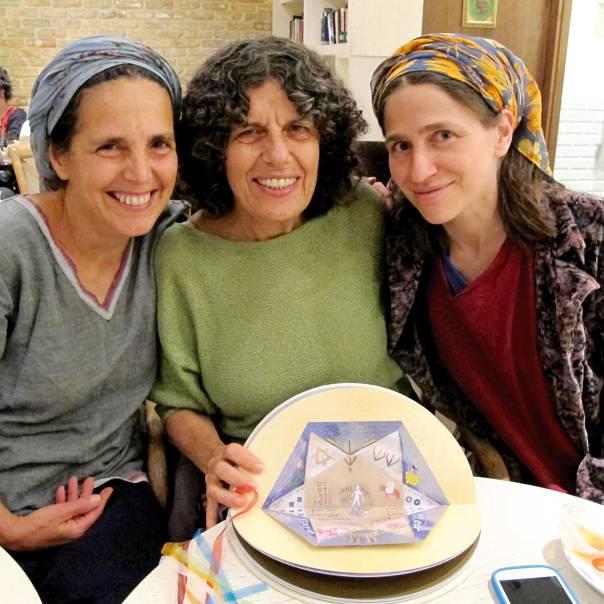 שלוש נשים במסע ארוך שמצריך סבלנות של אמא. שכל, שניר ובירן