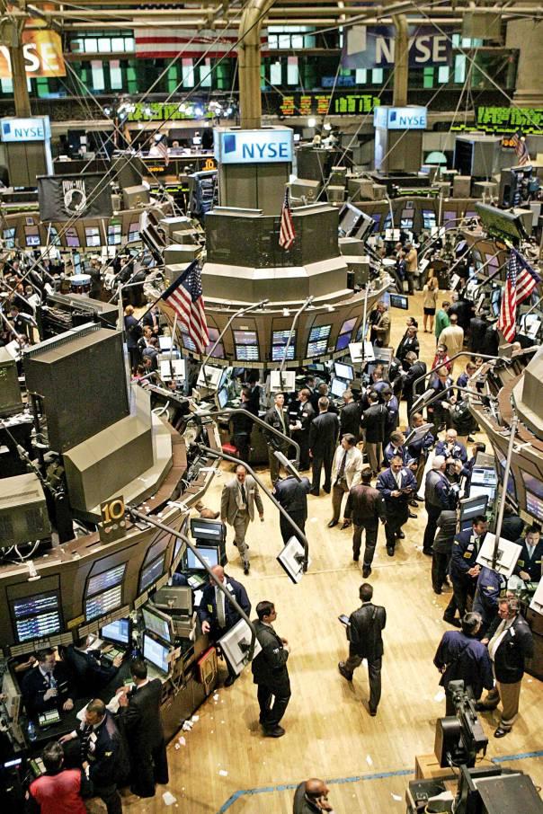 הרחיבו את ההסתמכות על מנהג הסוחרים. סחר בבורסה, ניו יורק צילום: רויטרס