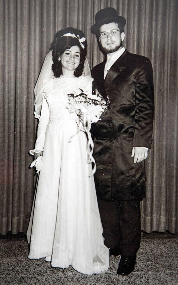 היה בן 22, נשוי טרי עם אישה צעירה בהיריון, כשפרצה מלחמת יום כיפור. דרקסלר בחתונתו