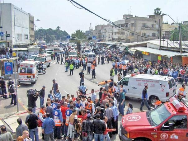 בין טרור פלשתיני לטרור נפשי. פיגוע בתל אביב, 2006 צילום: נתי שפירא