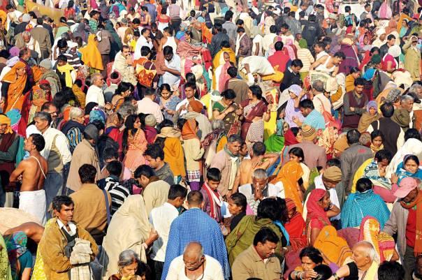 צליינים בפסטיבל הקומבה מלה, אללאבאד, הודו.