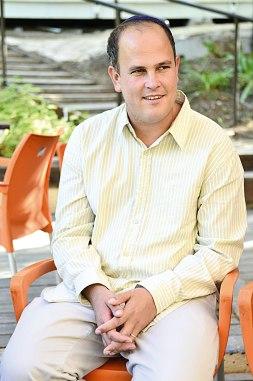 """ד""""ר מיכה גודמן מלמד מחשבת ישראל באוניברסיטה העברית, ראש מדרשת עין פרת ומחבר הספר """"סודותיו של מורה הנבוכים"""" צילום: עדי פסדר"""