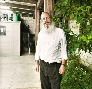 """הרב אליהו מאיר פייבלזון הוא ראש ישיבת """"פתחי עולם"""" – ישיבה חרדית לבעלי תשובה"""