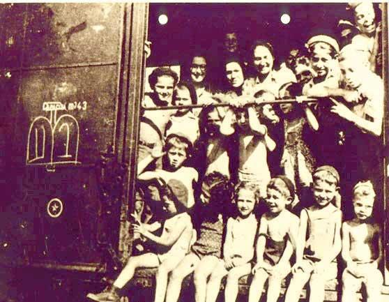 """""""עדיין מתגוששים האמת והשקר, משמשים את החיים בערבוביה"""". רכבת קסטנר, 1944"""