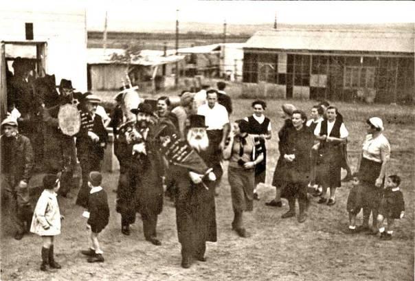 צירוף ייחודי של לאומיות ודת. חלוצים דתיים ברודגס, פתח תקווה, 1930