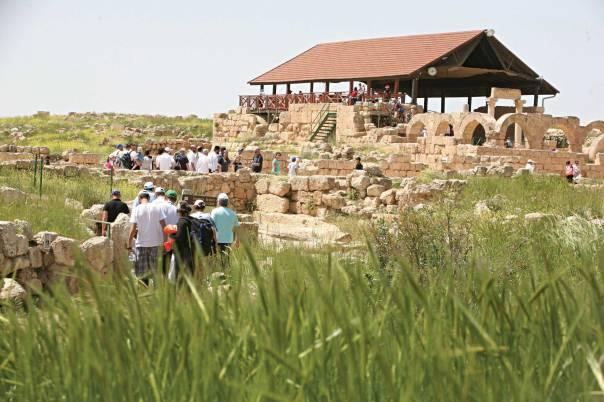 עדויות על קהילה יהודית מרתקת. בית הכנסת העתיק בסוסיה צילום: מרים צחי