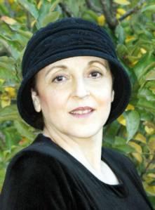 """מירה קדר היא מחברת הספר """"תאנה ממתינה לשמיים"""" (ידיעות ספרים, 2014) צילום: הודיהקדר"""