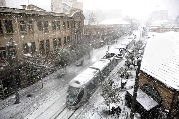 עצירה שהציבה את הפרופורציות קצת אחרת. סערת שלג בירושלים, 2014