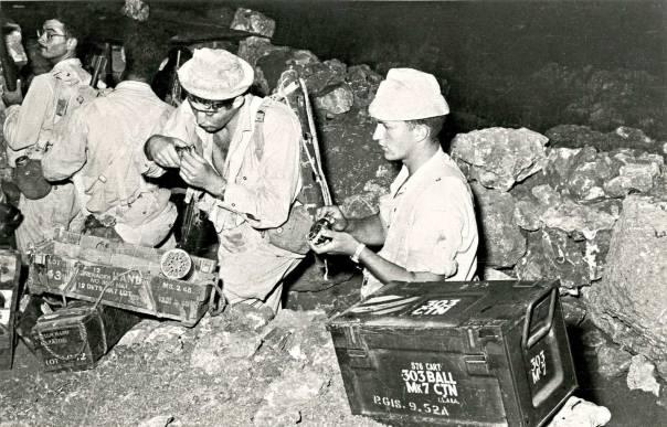 הפעולה בוצעה תוך גרימת אבדות קשות לאויב. הלוחמים לאחר כיבוש המוצב, מבצע לולב, 1956  צילום: אברהם ורד, במחנה
