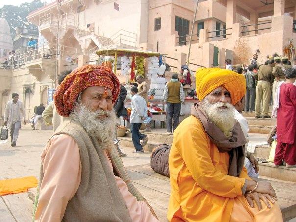 רעש והמולה עם שקט פנימי. באבות הינדים בהודו צילום: אבי פורת