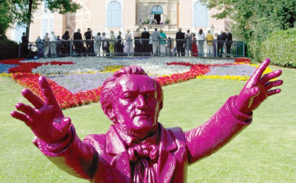 """יצירות של """"אנטי־יהדות"""". פסל של ואגנר ב""""פסטיבל ריכרד ואגנר"""" בגרמניה צילום: אי.פי.אי"""