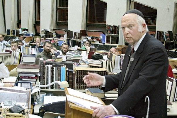 """האם בצד ספרי שיעוריו על הש""""ס לומדים בהר המור גם את ספרי הגותו המחשבתית? הרב אהרן ליכטנשטיין צילום: גרשון אלינסון, פלאש 90"""