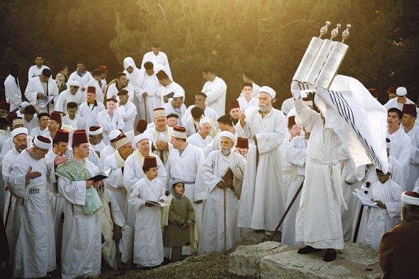 העדה הקדומה והקרובה ביותר ליהדות המקרא. חג השבועות בעדה השומרונית, הר גריזים, 2009 צילום: אביר סולטן, פלאש 90