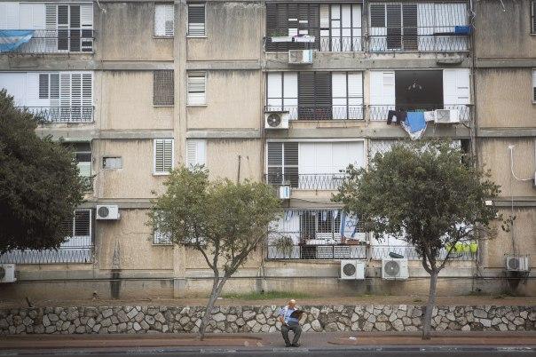 אנשי המקום נשארו שקופים?  צילום: מרים אלסטר, פלאש 90