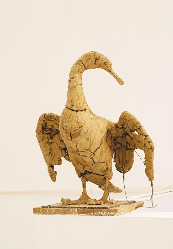 """הציפור הזו זקוקה לרחמים. נעה היינה; """"ללא כותרת"""", 2014"""