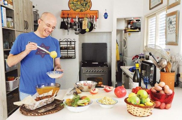 ארוחה מזינה היא בראש ובראשונה סיפור. גיל חובב צילום: ראובן קסטרו