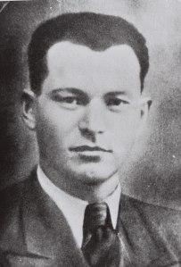 """הצטרף לאצ""""ל מתוך לימודיו בישיבה. דוד רזיאל, 1941 צילום: לע""""מ"""