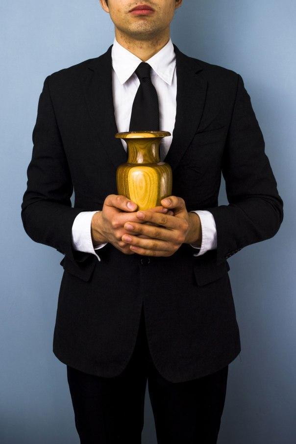 איש האסתטיקה של המוות; פועל הניקיון של החידלון צילום אילוסטרציה: שאטרסטוק