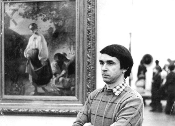 """""""רציתי לעלות לישראל. לא חשוב מה המצב פה, חשוב שזה המקום שלנו"""". פקרובסקי כמדריך במוזיאון מוסקבה, 1984."""