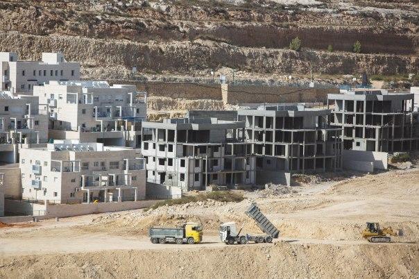 אינטרס לאומי במערכה רבת ממדים. בנייה בגבעת זאב, אוגוסט 2015 צילום: יונתן זינדל, פלאש 90
