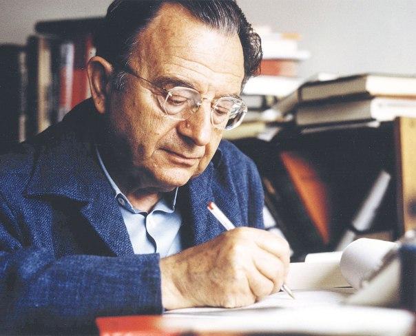 כושר רטורי, להט משיחי ומעט מאוד ביסוס עובדתי. אריך פרום, 1974 צילום: Müller-May / Rainer Funk