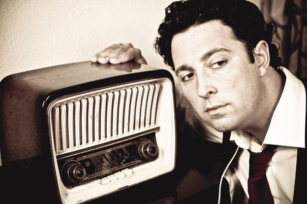 הרדיו כמוטיב המקשר בין אנשים צילום אילוסטרציה: שאטרסטוק