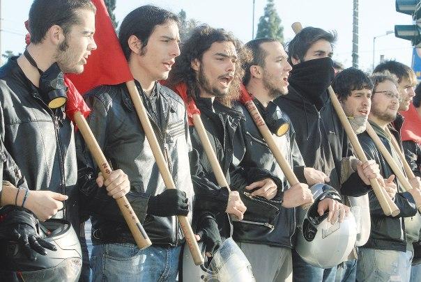 מוקד המאבקים הפוליטיים והמעמדיים. הפגנות ביוון, 2008  צילום: אי.פי.אי