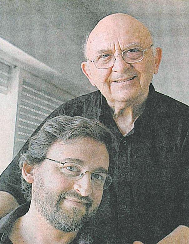 מאיר עם אביו, אהרן אפלפלד, 2005