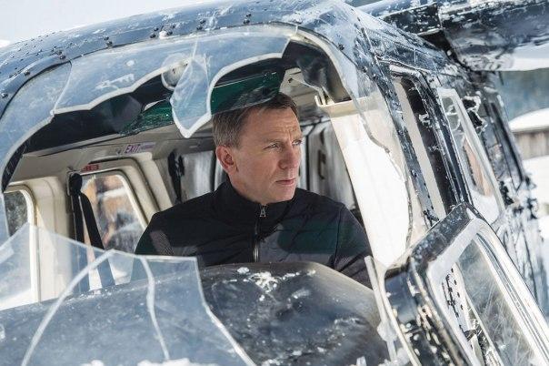 """בסופו של דבר הוא רק פקיד. דניאל קרייג בתפקיד ג'יימס בונד ב""""ספקטר"""" צילום: יח""""צ"""