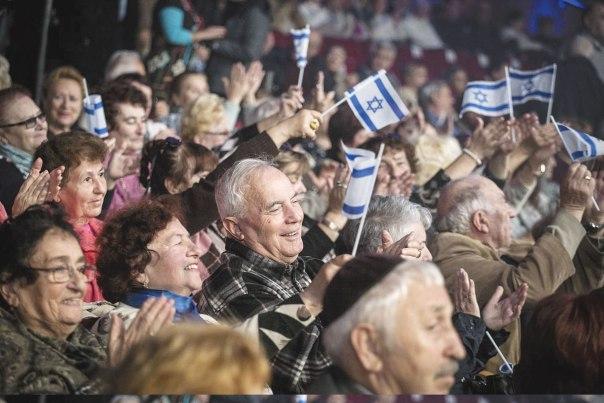 הכללים מחייבים שכל אדם שעלה לאחר שנת 1991 יעבור בירור יהדות. אירוע לציון 25 שנים לעלייה מברית המועצות לשעבר, ירושלים 2015  צילום: הדס פרוש, פלאש 90