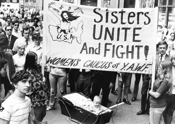 """הניצחון הולך ומתברר כניצחון פירוס. מצעד לציון יום השנה ה–50 למתן זכות בחירה לנשים בארה""""ב, שיקגו, אילינוי, 1970 צילום: גטי אימג'ס"""