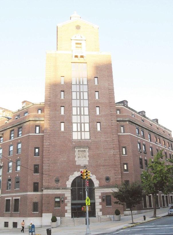 מרוצים מתפקודו של בנט. בניין המרכז האקדמי–רוחני של הזרם הקונסרבטיבי (jts), מנהטן  צילום: ג'ים אנדרסון