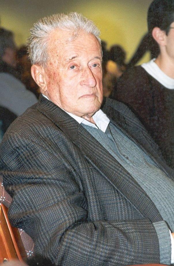 """""""חיי מתחלקים באופן שווה: עד 1948 הצלת יהודים, ומאז הצלת היהדות"""". מיכאל בהט צילום: באדיבות המשפחה"""