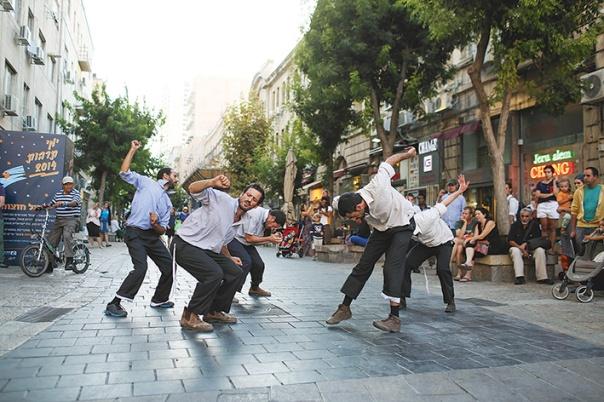 """""""בואו פשוט נרקוד!"""". אנסמבל כעת, ירושלים 2015 צילום: נועם מושקוביץ"""
