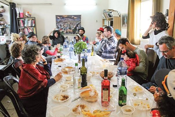 פורים בבית הרב אורי מלמד, 2013