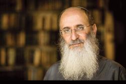 הרב אורי שרקי: אנו צריכים לקיים שיח עם דתות שונות מעמדה של מורים מול תלמידים. לעם ישראל השב לארצו יש תפקיד – להדריך את האנושות מבחינה תורנית צילום: אריק סולטן