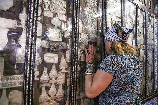 קשה לטעום בה טעם גלות. בית הכנסת העתיק בג'רבה, 2015 צילום: אי.פי.אי