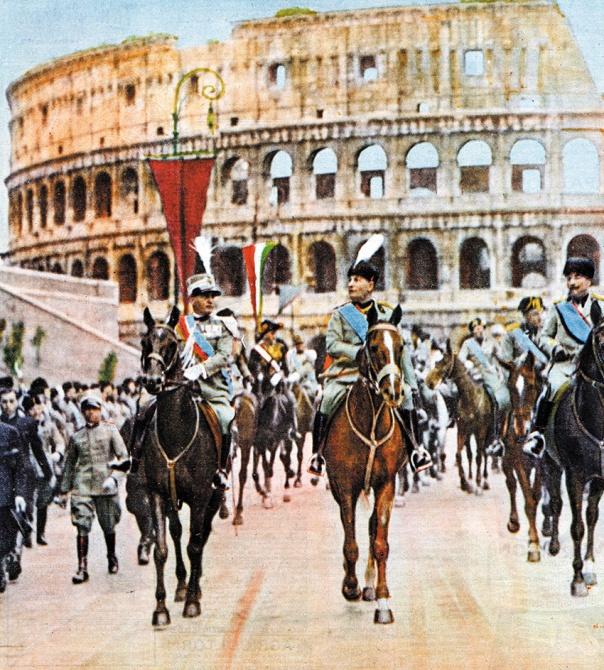 לא נורה על ידי הפרטיזנים. מוסוליני בצעדה בויה דיי פורי אימפריאלי, רומא צילום: גטי אימג'ס