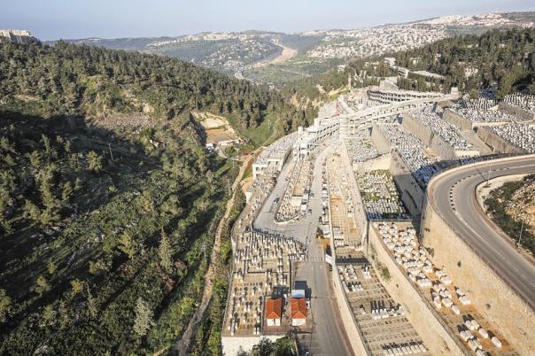 ירושלים היא גיבורה נוספת בספר. גבעת שאול ממבט עילי, 2015 צילום: נתי שוחט, פלאש 90