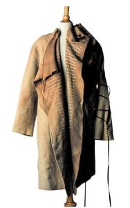 המעיל הראשון