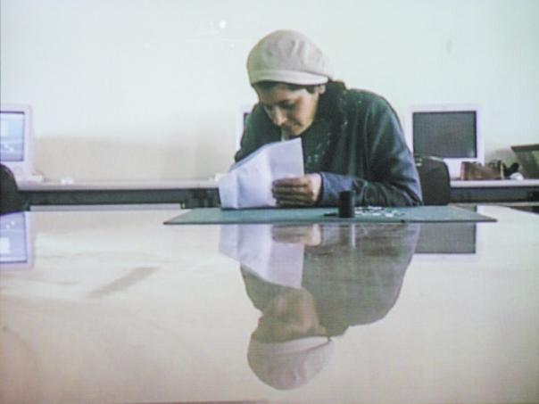 """יהודי מדינת ישראל למדו לחשוש מפני בית הדין הרבני הגדול. מתוך הסרט """"מקודשת"""" בבימויה של ענת צרויה צילום מסך: מרים צחי. למצולמת אין קשר למאמר"""