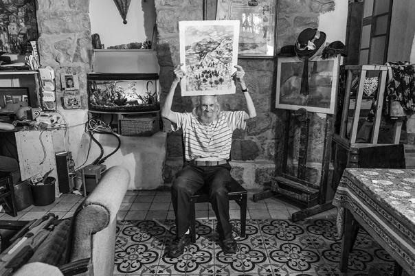 רבים מהמצולמים הם אמנים עם סיפורים מעניינים. מתוך פרויקט האריחים הירושלמי של קרן פרנקל.